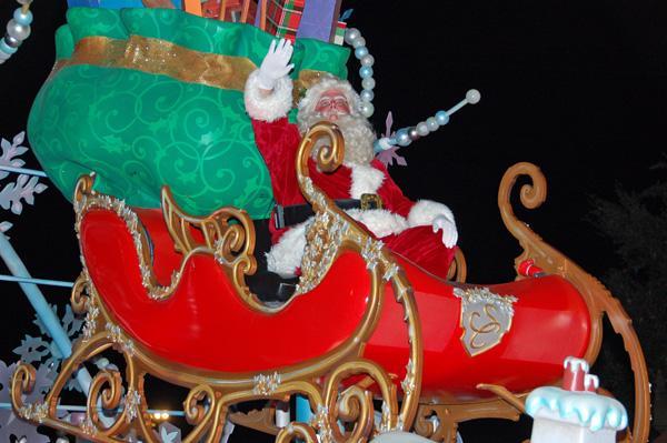 Family Travel: Visiting Disney World at Christmastime