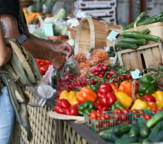 {Top Ten} Reasons to Shop the Farmers' Market