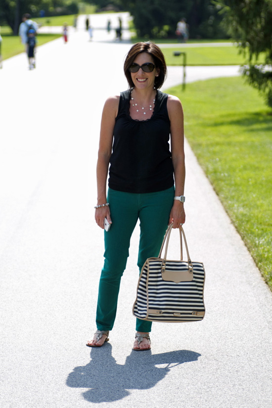 how to wear green skinny jeans