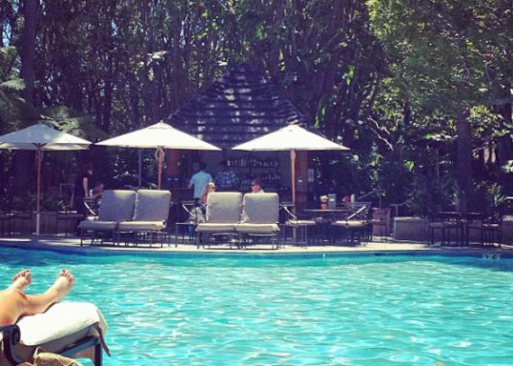 island-hotel-pool