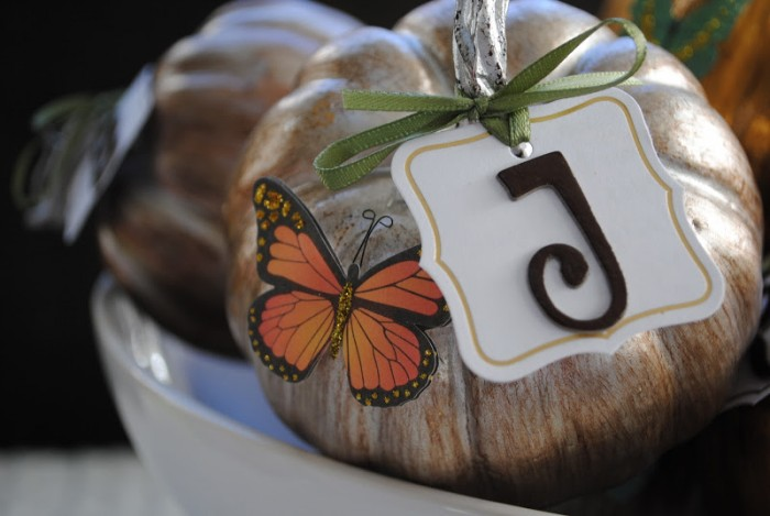Thanksgiving Craft Idea: DIY Place Cards for your Thanksgiving Table