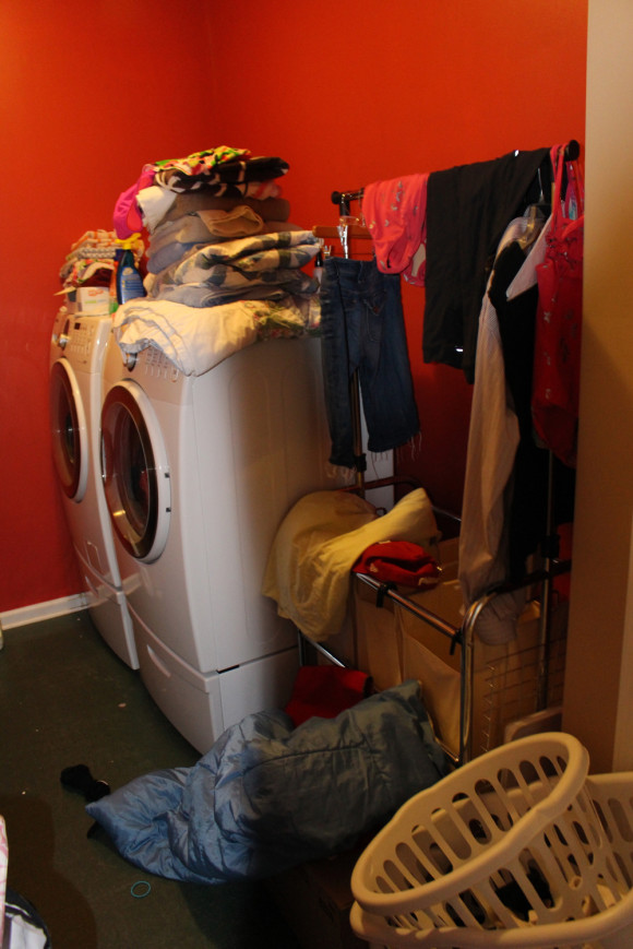 laundry room before-3