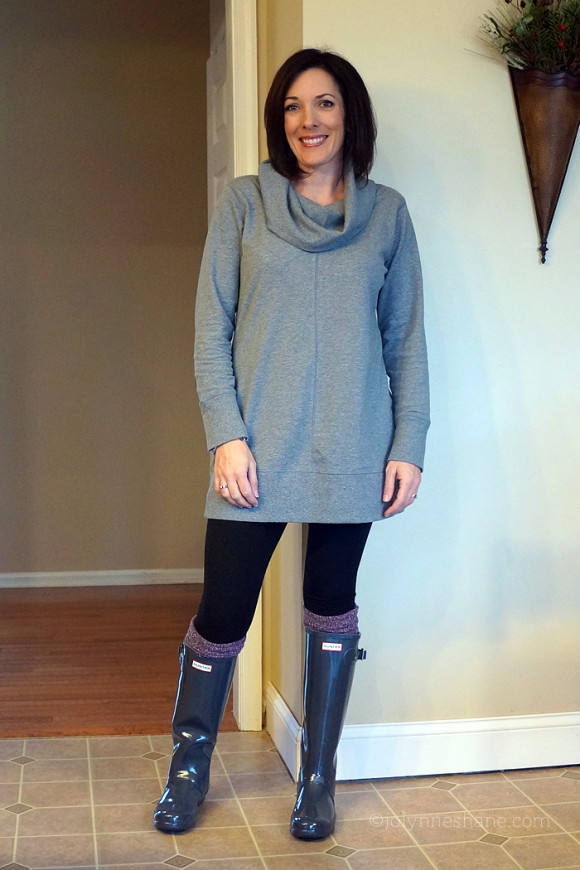 How to Wear a Tunic with Leggings