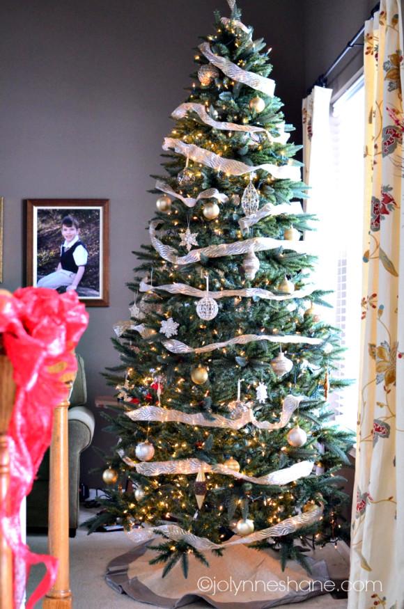 formal christmas tree