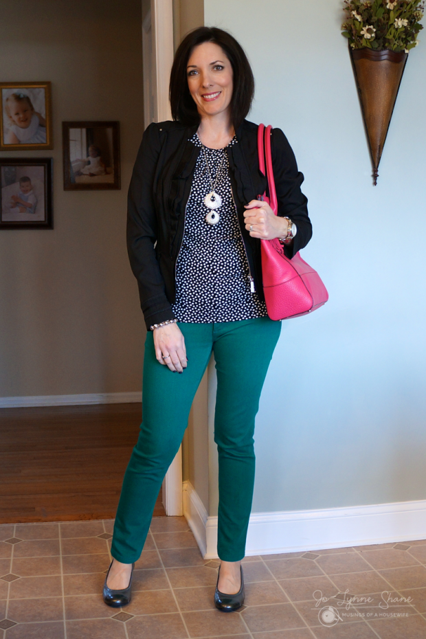 black-blazer-green--jeans