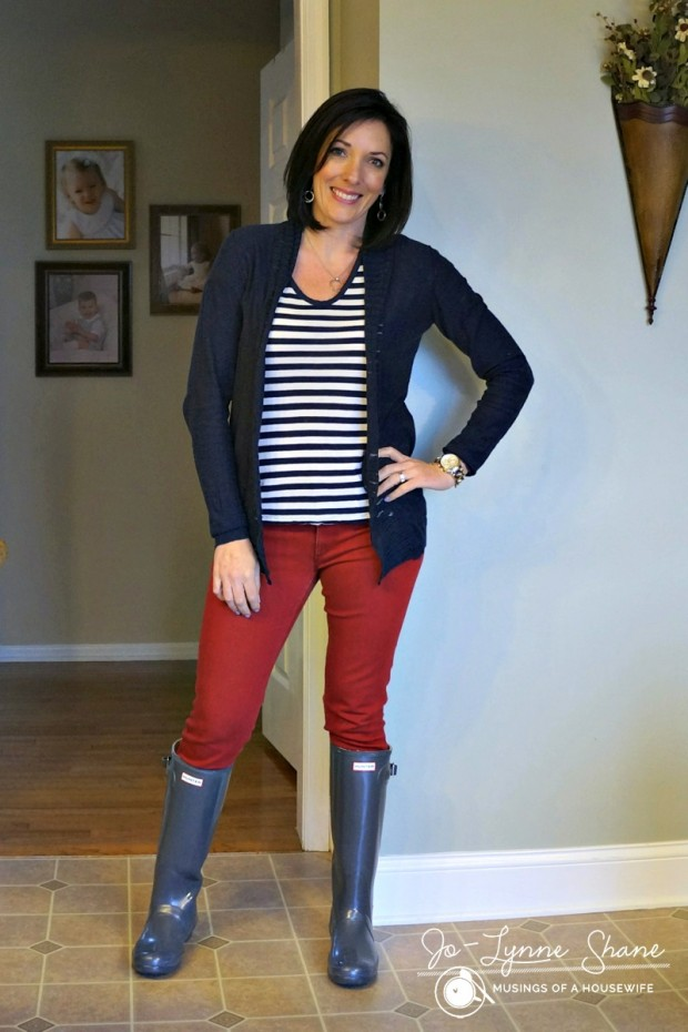 navy-cardi-with-red-jeans