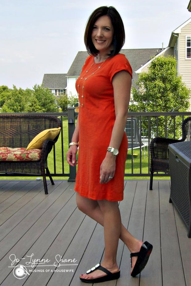 orange-dress-with-fit-flops