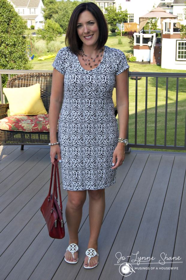 black-and-white-dress-with-red-bag
