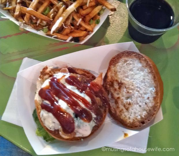 lexies-joint-burger-on-gluten-free-buns