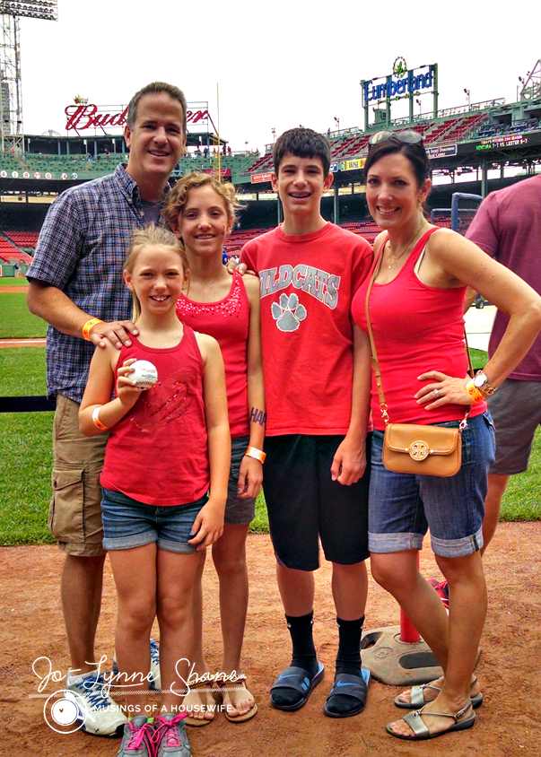 what-to-wear-to-a-red-sox-game