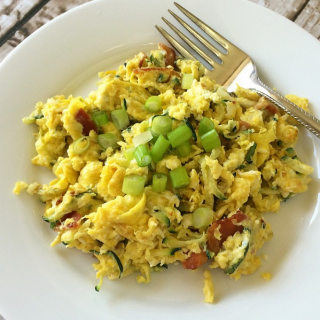 Scrambled Eggs with Grated Zucchini