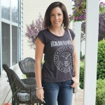 Monday Mingle: Casual Mom On The Go Outfit