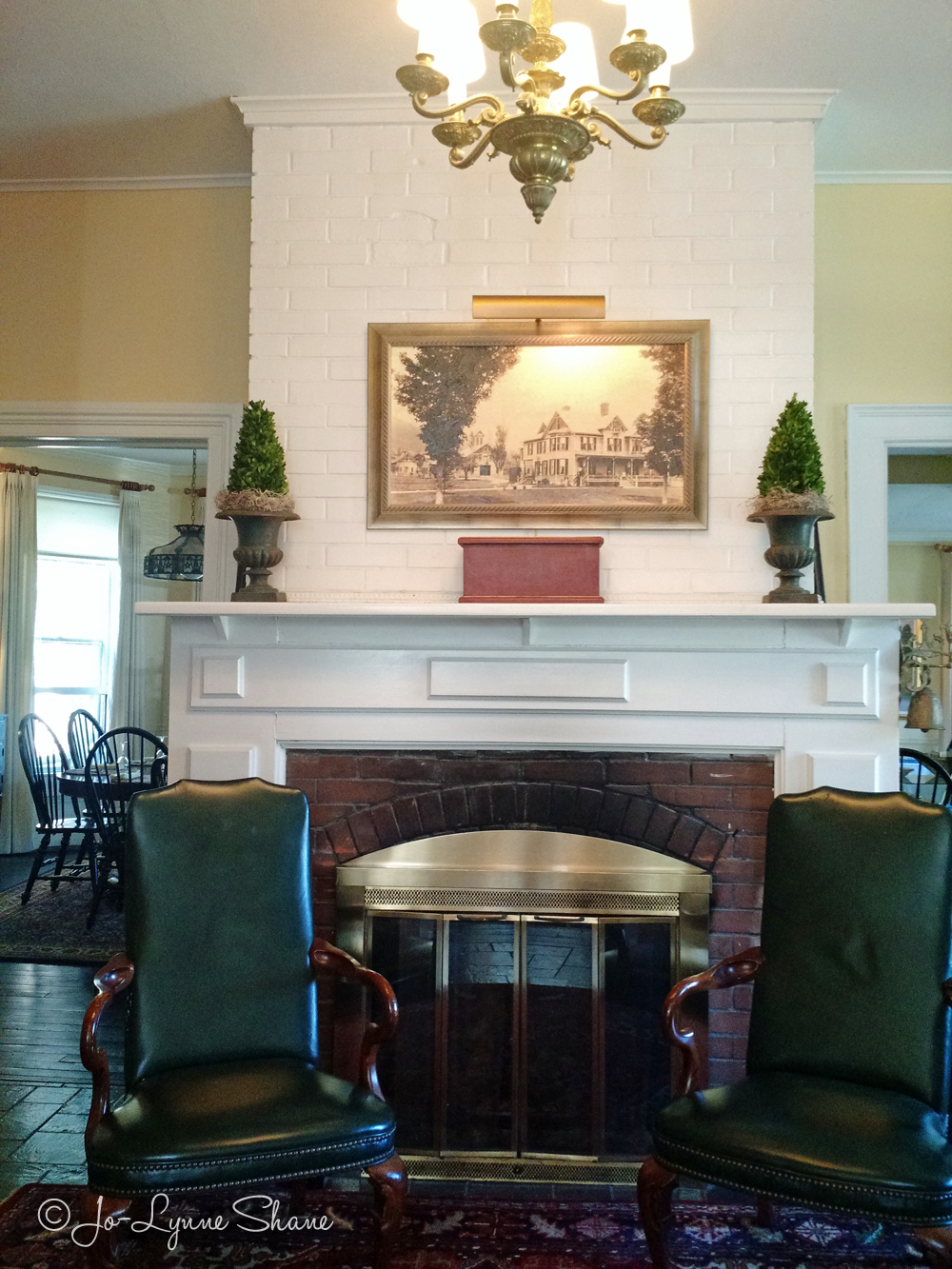 Entry Foyer With Fireplace : Experience the inn at manchester a vermont b and