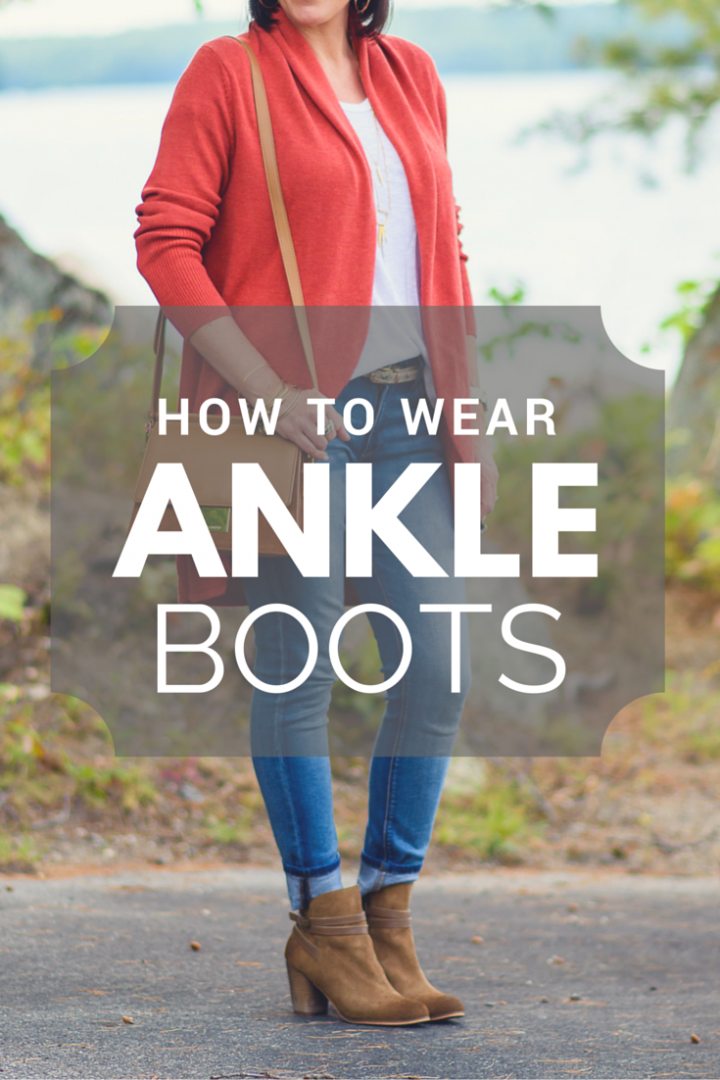 How to Wear Ankle Boots :: Ankle boots are a huge fall trend but they can be tricky to style. I'm breaking it down and showing you how to wear different styles of ankle boots with skinny jeans as well as skirts and dresses.