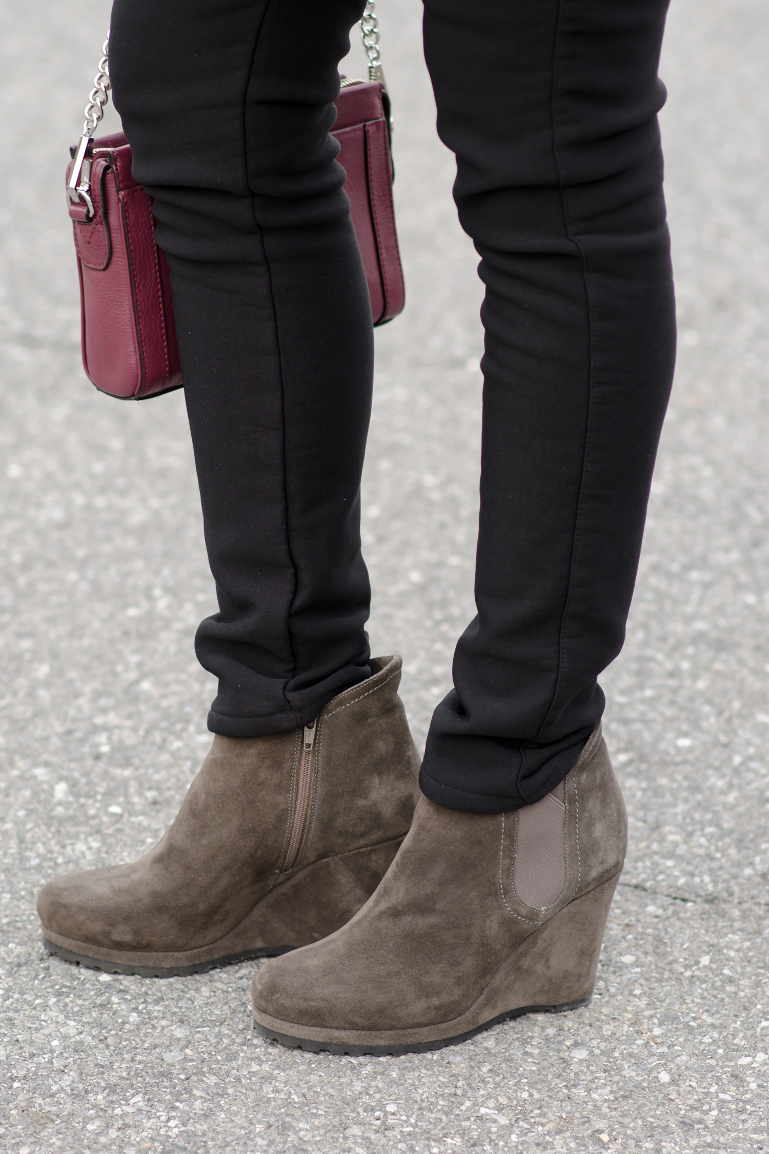 how to wear ankle boots with ponte pants
