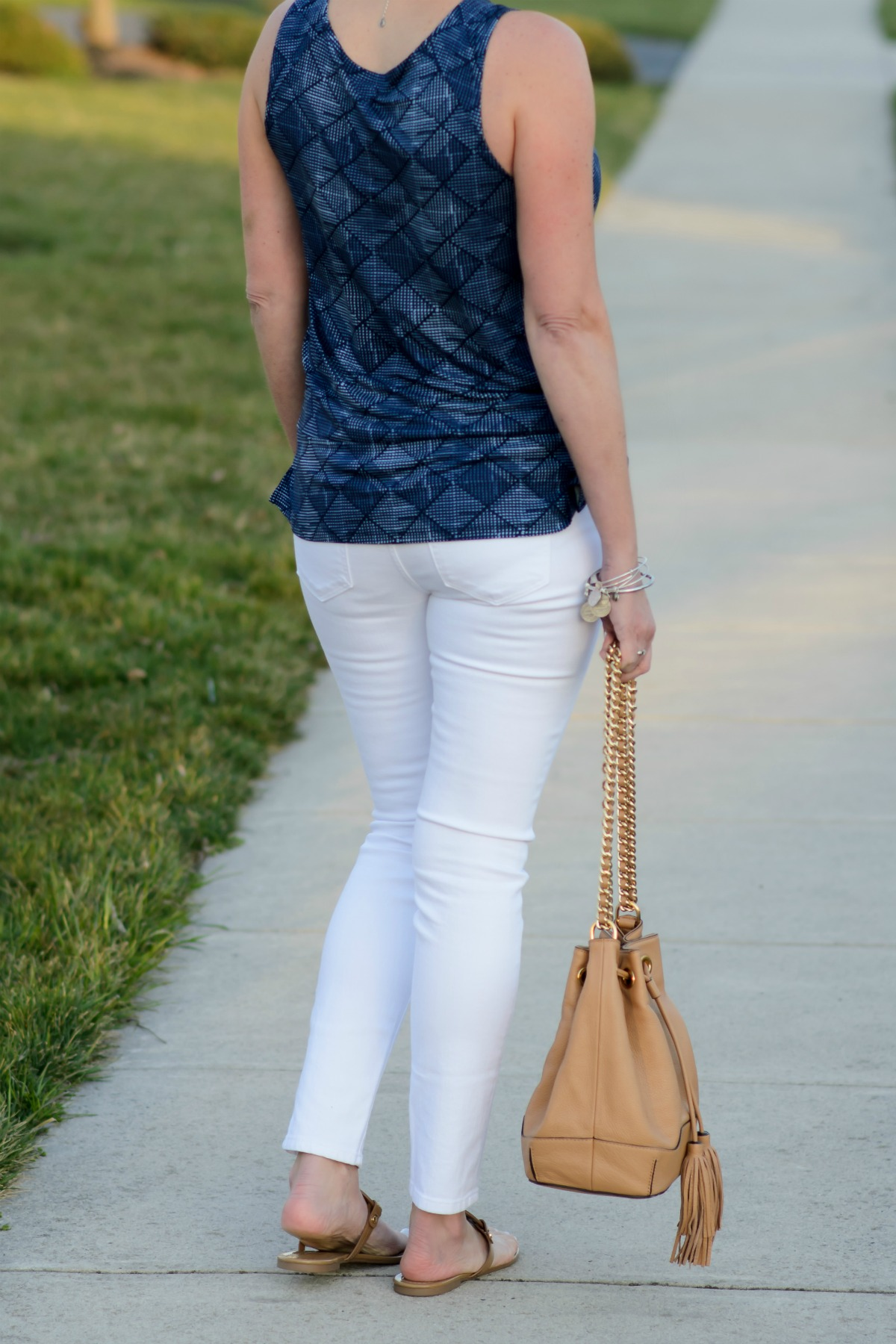 Spring fashion with this relaxed split hem printed top from Old Navy!