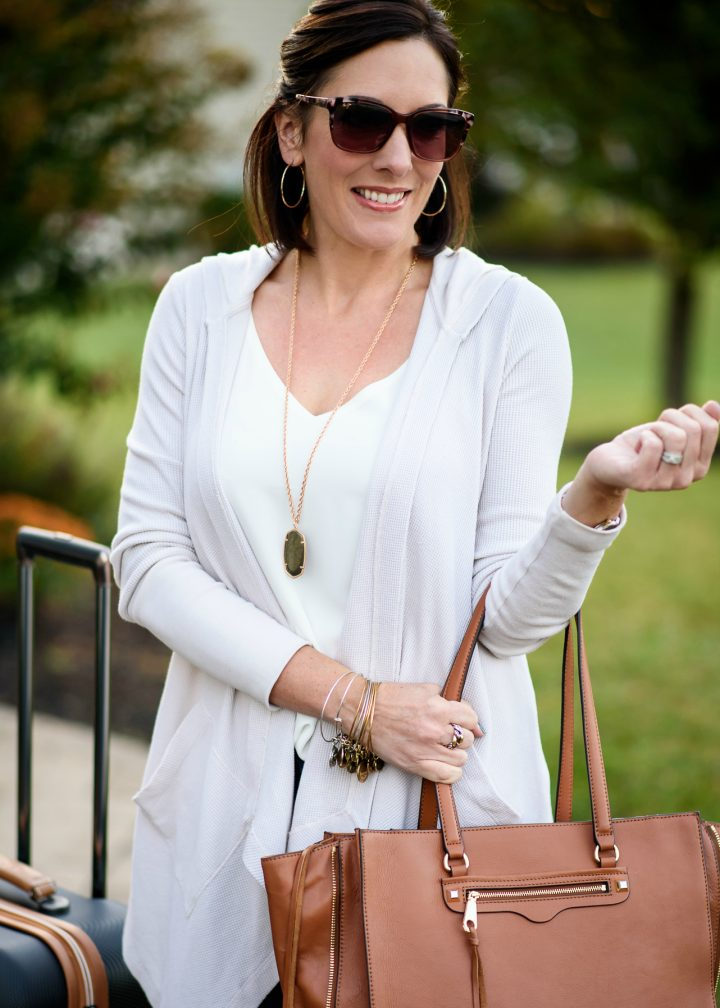 Neutral Fall Travel Outfit: This casual fall travel outfit combines several neutrals that are all pieces I can mix and match with other items in my suitcase while I'm away.