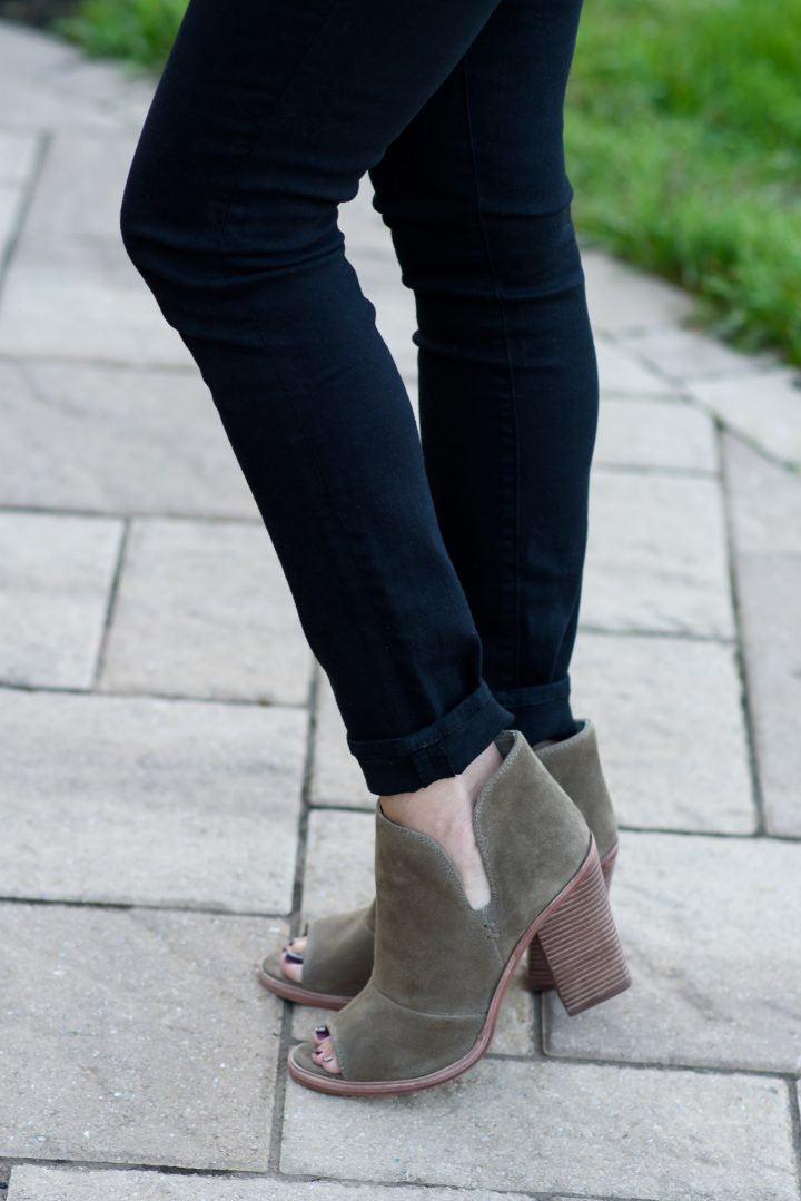 Can u wear wedges with skinny jeans