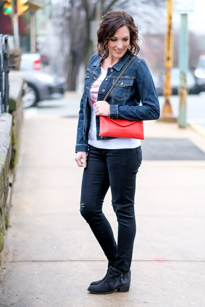 Casual Outfit Formula: Graphic Tee + Denim Jacket + Black Jeans