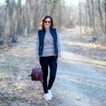 Casual Outfit Formula: Turtleneck + Down Vest + Black Jeans + Sneakers